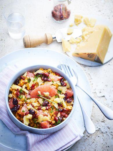 Salade de lentilles corail au pamplemousse et copeaux de sbrinz AOP