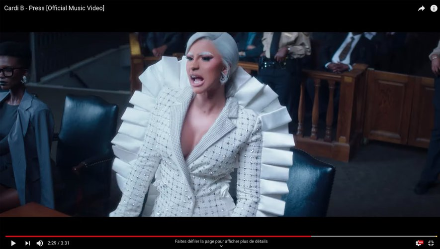 "Cardi B dans le clip du single ""Press"""