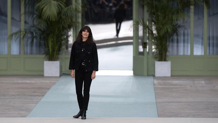 Virginie Viard présentera sa première collection haute couture en solo pour la maison Chanel, le 2 juillet prochain.