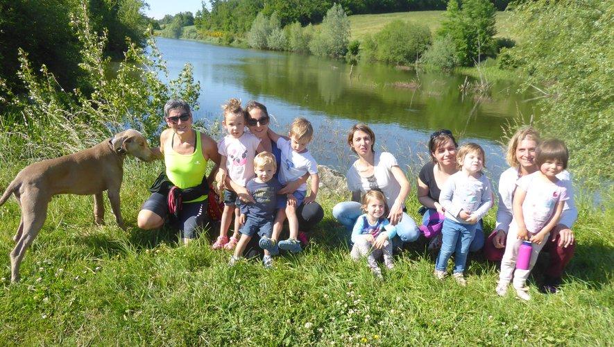 Les petits élèves d'Eve Lebrun au vert, au lac de La Brienne