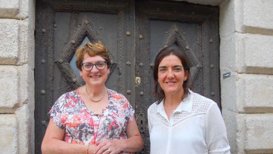 Mme Fournier, directrice de l'école et Mme Bonnal, future directrice.