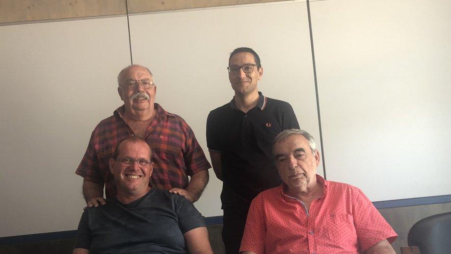 Au premier plan, Philippe Fouquenet et le maire Jean-Louis Denoit, derrière Jean-Robert Vergnes et Luis Rainho.