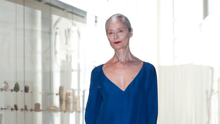 Chez Adeline André, l'épure est également de mise avec des créations sans fioritures qui accompagnent le mouvement du corps, tout en fluidité et raffinement. Paris, le 30 juin 2019.