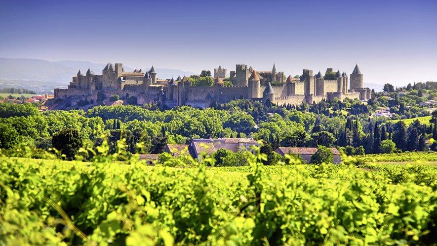 La cité de Carcassonne est incontournable pour les férus d'histoire.