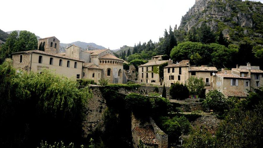 Saint-Guilhem-le-Désert est classé parmi les Plus beaux villages de France.