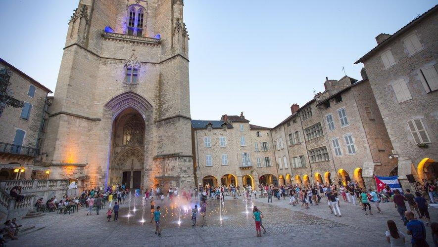 Le centre de la cité s'anime tout au long de la saison estivale, avec des événements pour tous, dans un cadre somptueux.