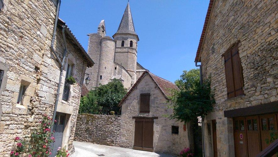 L'église de Villeneuve-d'Aveyron.