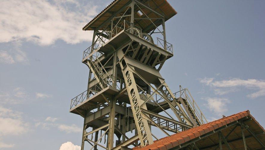 Le Chevalement mesure 22 m de haut.