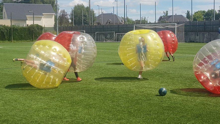 Des rencontres palpitantes avec les bulles gonflables.