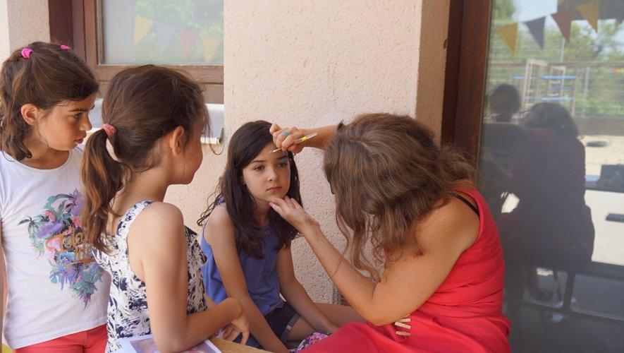 Le maquillage un stand très prisé.