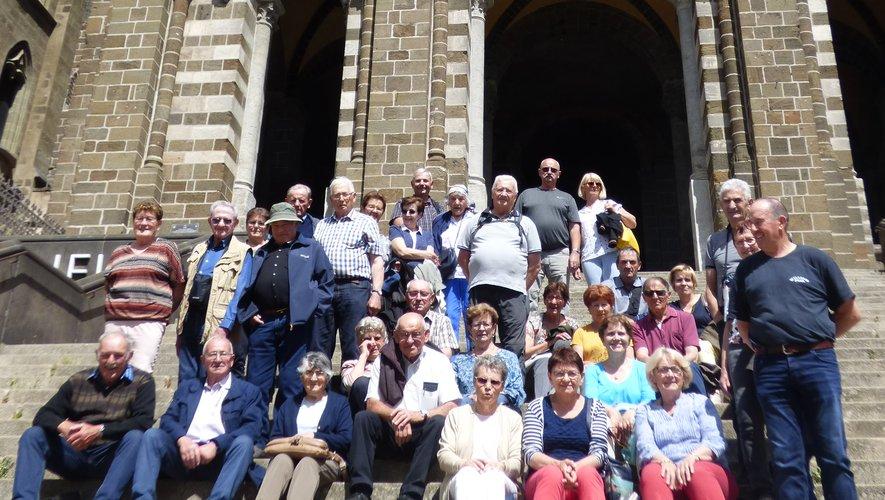 Le groupe devant la cathédrale.