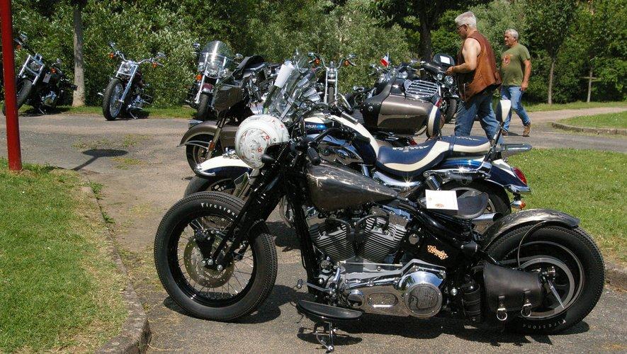 Il y avait de nombreuses Harley.