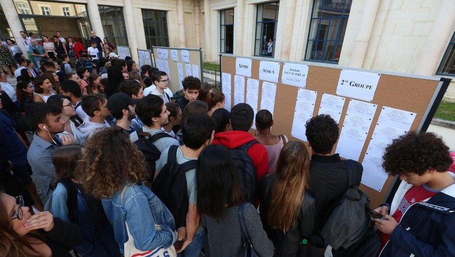 """""""Nous n'avons connaissance d'aucune démarche similaire dans l'Aveyron"""", a déclaré mardi 2 juillet la Directrice académique des services de l'Education nationale Armelle Fellahi, alors que les résultats du bac seront connus vendredi."""