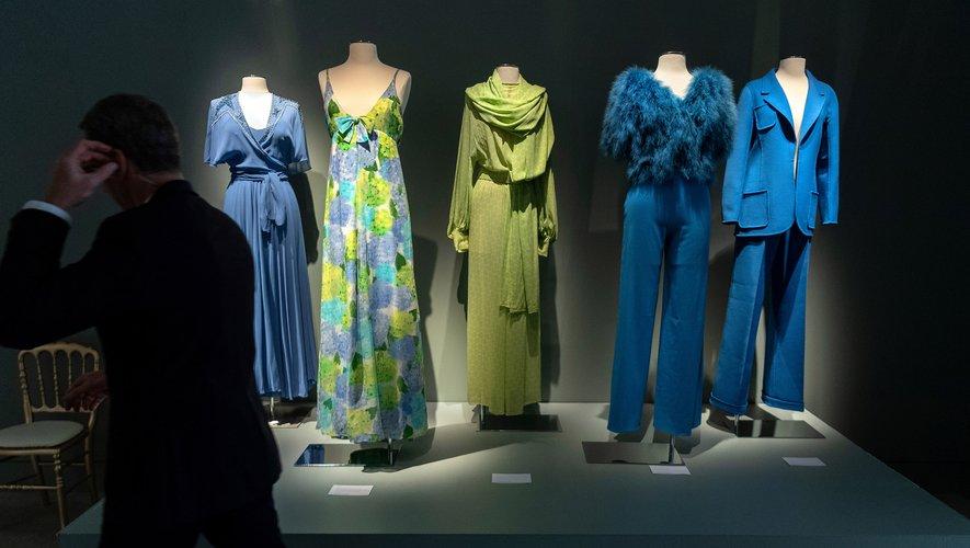 La garde-robe de Claudia Cardinale est exposée jusqu'à jeudi chez Sotheby's pour être vendue aux enchères d'ici au 9 juillet