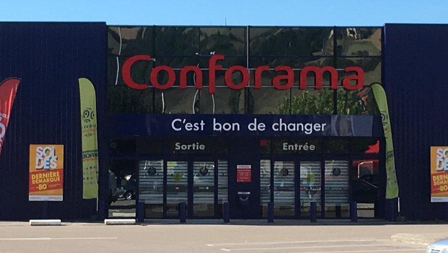 Le magasin Conforama de Millau.