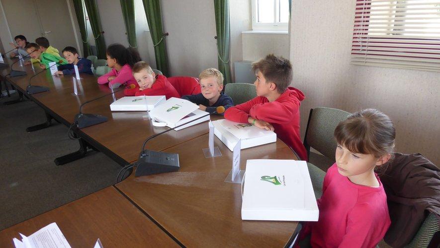 Quelques-uns des jeunes élus lors de cette séance animée par Florence Petit.