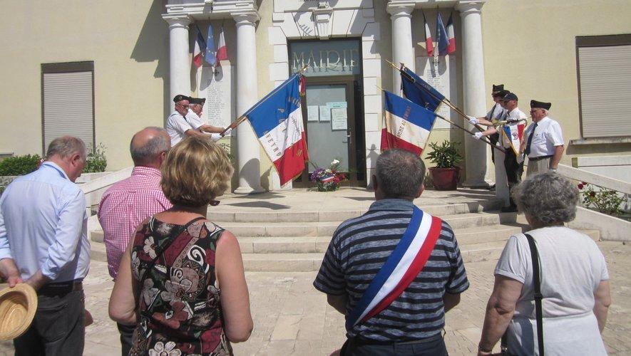 Sous un soleil triomphant, le Souvenir Français a tenu à rappeler les heures sombres de notre histoire.