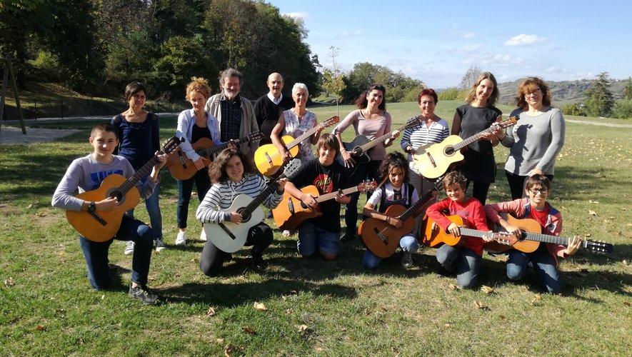 L'ensemble de guitares de l'association Guitare & Co
