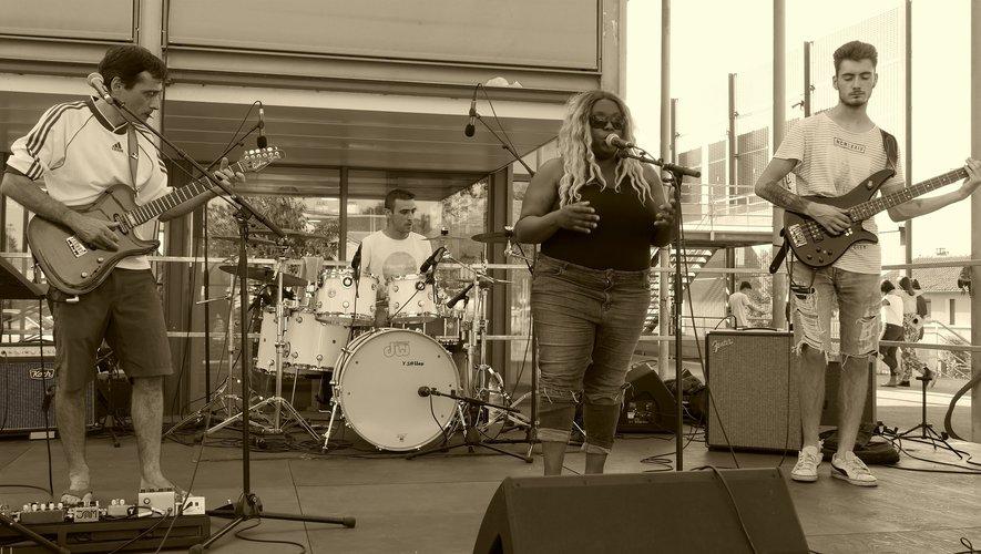 Un air rétro entre rock et gospel pour ce premier concert avec la chanteuse Renée.
