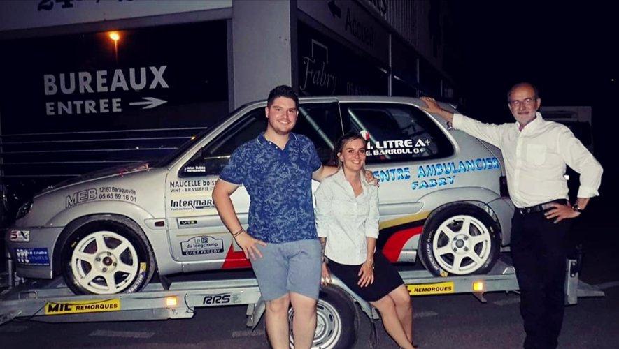 Mathieu et sa copilote Emma, ici avec le sponsor « officiel », Daniel Fabry.