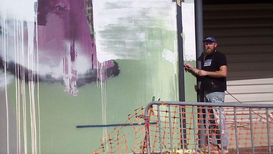 Le jardin d'Arvieu  s'est paré de fresques