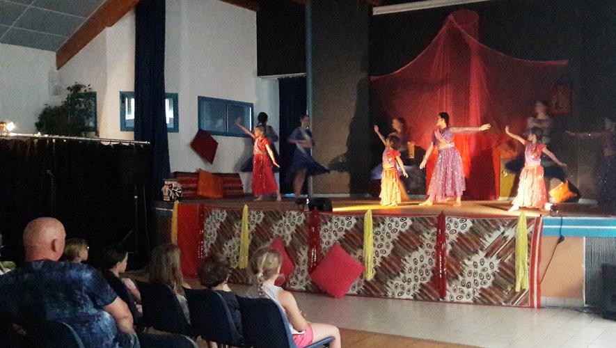 Merci et félicitations aux danseuses, et mention spéciale à Joséphine, benjamine de la troupe !