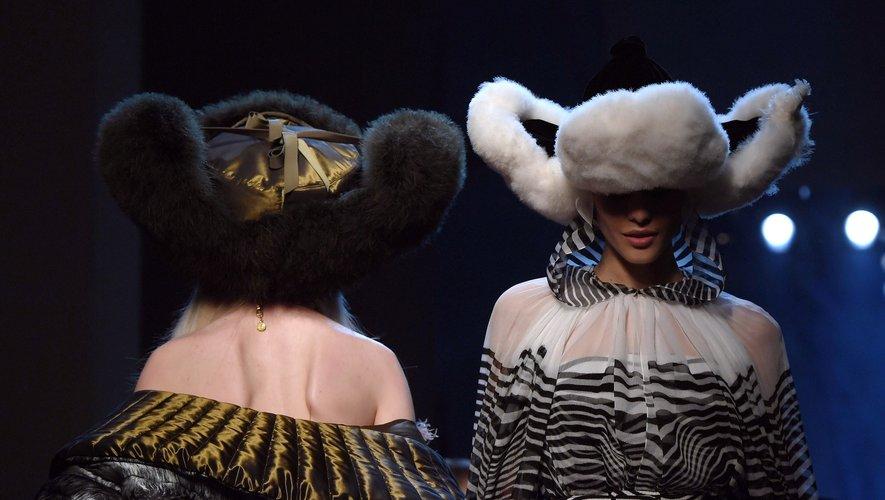 Défilé Jean Paul Gaultier pendant la semaine de la Haute Couture à Paris automne-hiver 2019/2020