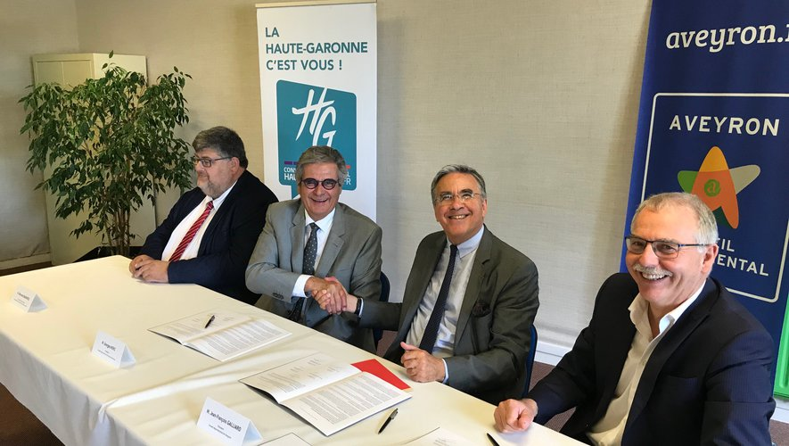 Un partenariat scellé entre Jean-François Galliard et son homologue Haut-Garonnais Georges Méric, entourés de Bernard Bagneris et Vincent Alazard, présidents des deux laboratoires.