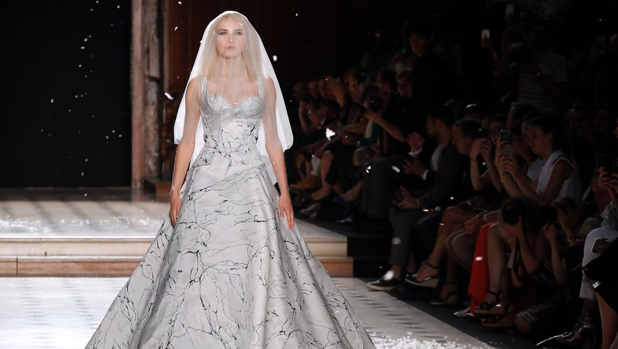 La robe de mariée de Julien Fournié. Paris, le 2 juillet 2019.