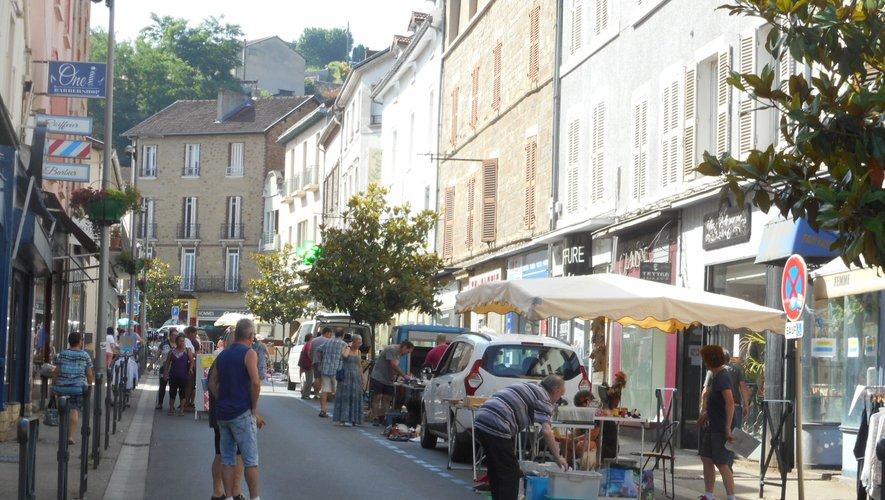 La rue Cayrade était animée.