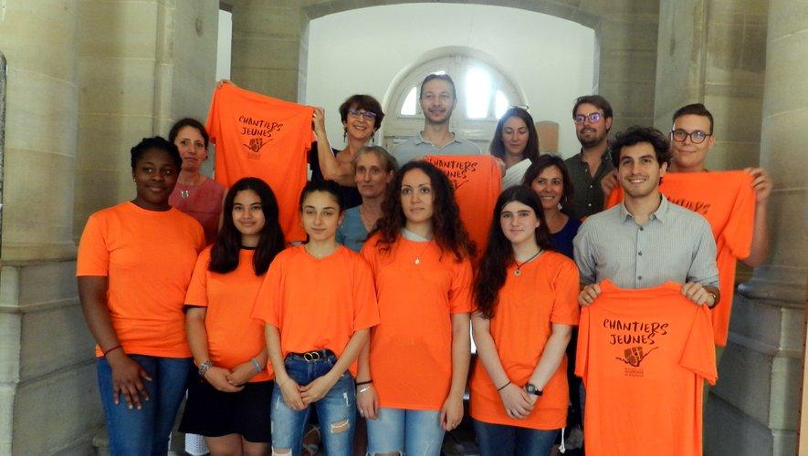 Cinq jeunes filles participent à ce chantier de jeunes, porté par la mairie avec le soutien de partenaires.