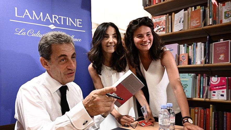 "Paru le 27 juin dernier, ""Passions"" de Nicolas Sarkozy est en tête des ventes de livres"