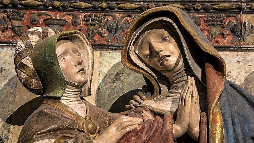 « Marie, la mère, qu'il faut aider devant l'épreuve, le visage éploré et les mains jointes, priant face à l'insoutenable ».