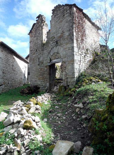 Abandonné depuis 1949, le hameau avait disparu sous la végétation. Le lieu est mentionné depuis le XIIe siècle.