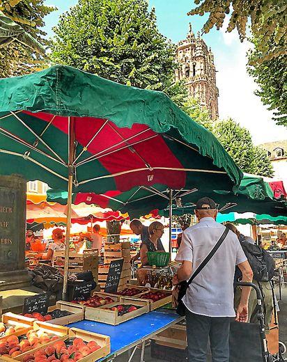 Le marché de la place de la Cité a vécu ses dernières heures samedi. Il déménagera boulevard d'Estourmel jusqu'à la fin des travaux.