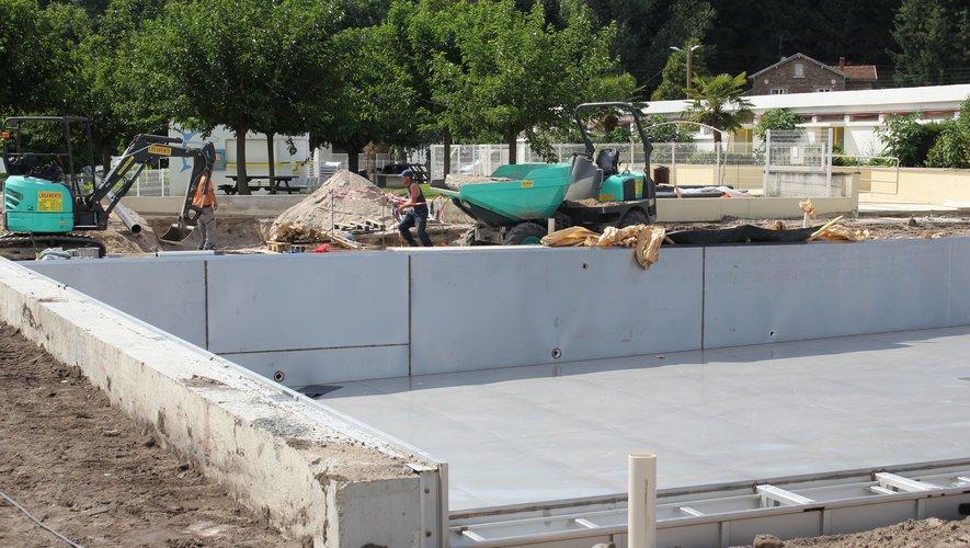 Les travaux se poursuivent à la piscine municipale.