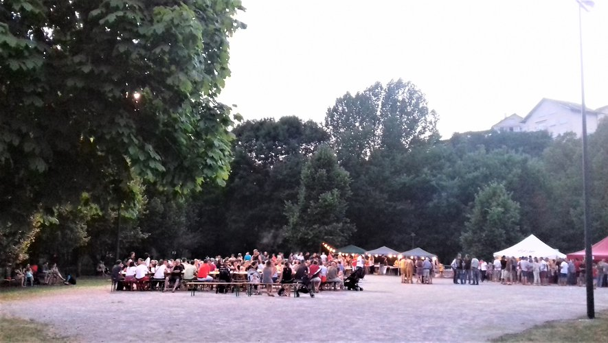 Parc de la Briane apéro – concert organisé par le comité des fêtes