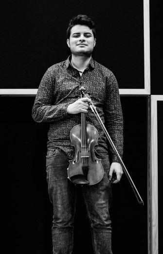 Frederik Camacho, concertiste.