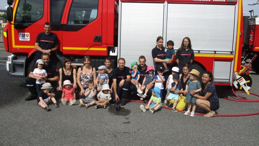 Les enfants chez les pompiers