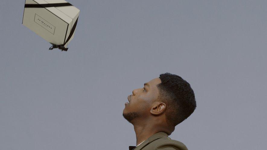 """John Boyega est le tout premier """"Gentleman"""" de Jo Malone London."""
