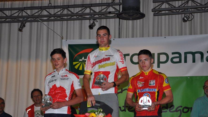 Les trois vainqueurs sur le podium.