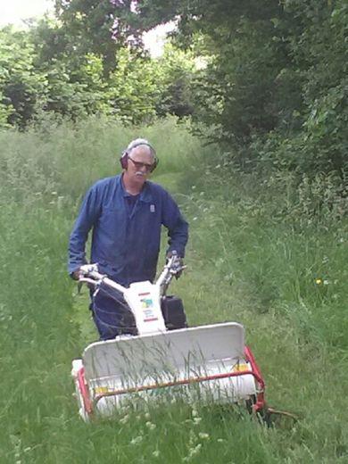 S'attaquer avec raison aux herbes folles des chemins… et pouvoir mieux prendre l'aire !