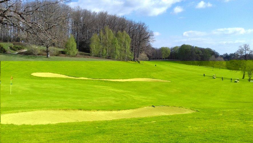 Le green du golf de Mezeyrac