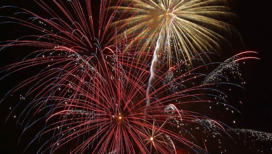 Festival de feux d'artifice dans les communes de l'Aveyron ce week-end  pour la fête nationale du 14 juillet.