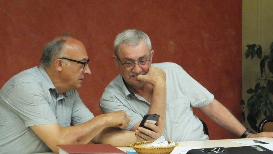 Serge Gely, adjoint et Hervé Costes, maire de Flavin.
