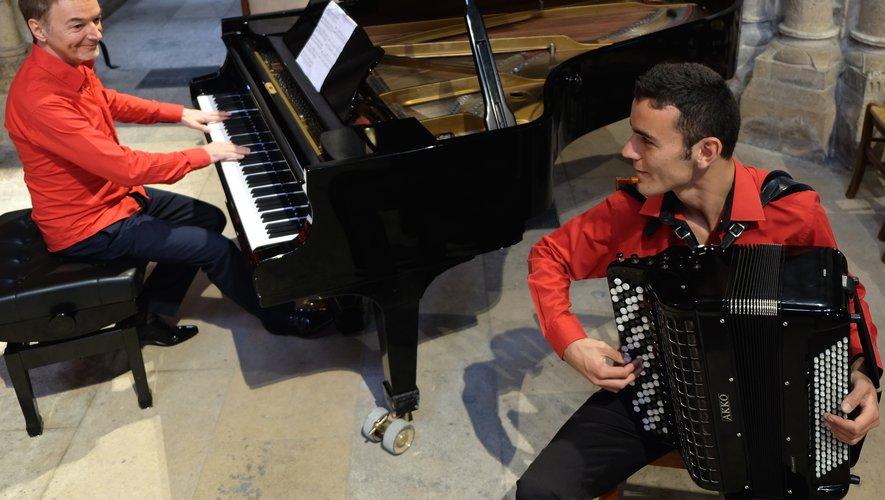 Philippe Alègre au piano, Thomas Chedal à l'accordéon.