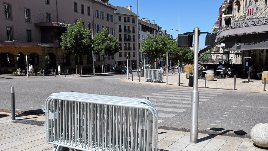 La Ville a loué 11 km de barrières pour assurer la sécurité des coureurs et des spectateurs aux abords de la course.