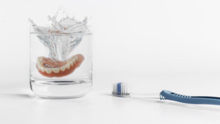 Appareil dentaire : des conseils pratiques pour l'entretenir