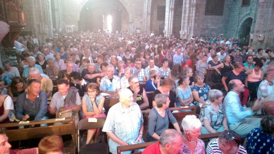 Le public est venu en nombre et a rempli la collégiale pour un moment magique avec Laurent Voulzy.