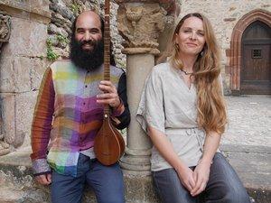 Le directrice du festival, Anne Pinson avec Kiya Tabassian qui se produira le 31juillet